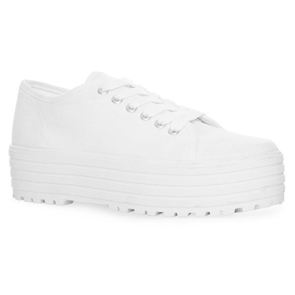 Zapatillas: 9 euros