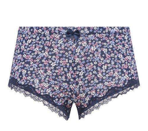 Shorts: 4 euros