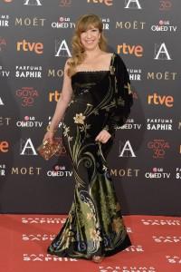 Nathalie Seseña, con vestido floral asimétrico de Chordá Couture, zapatos de Úrsula Mascaró y joyas de Carrera y Carrera.