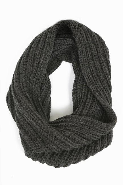 los recién llegados 09cfe 916ca Primark hombre: bufanda en gris oscuro ⋆ Moda en Calle