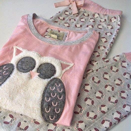 971bf6d943 Pijama con búho para mujer del catálogo de ropa y complementos de Primark  online Otoño-Invierno 2014 15. Pijama con estampado de búhos en rosa y gris  para ...