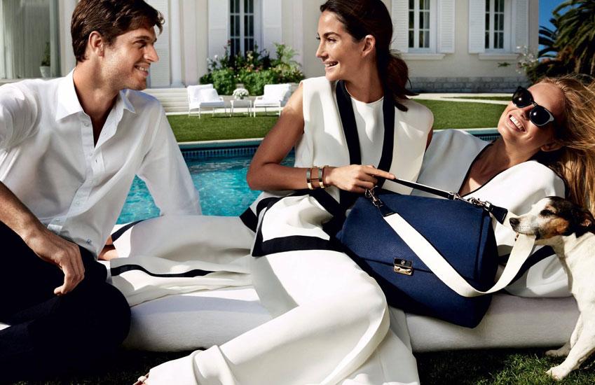 Y finalmente la firma de moda CH Carolina Herrera ha presentado su nueva campaña de cara a la próxima Primavera 2016 A Sunny Disposition fotografiada por